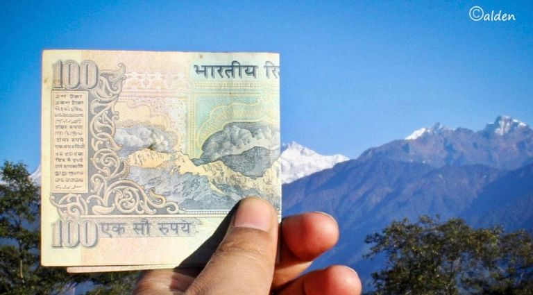Internet has verified and stated that the mountain on the currency is Mount Khangchendzonga as seen from Sikkim