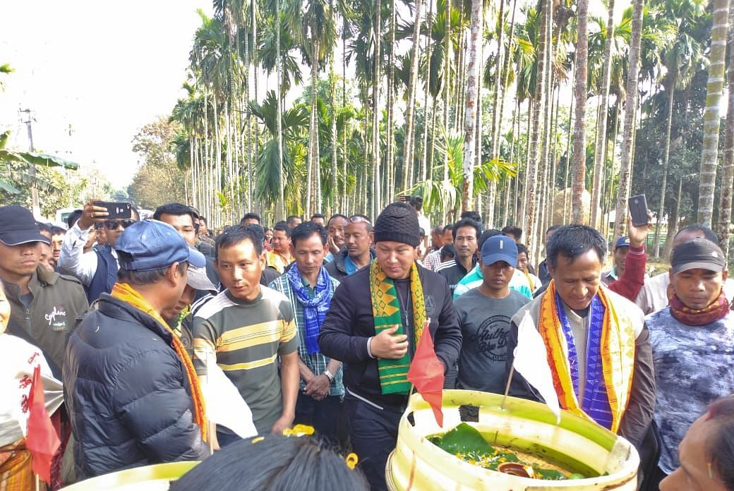Residents of Daloabari village accords a hero's welcome to NDFB (S) rebel leaders