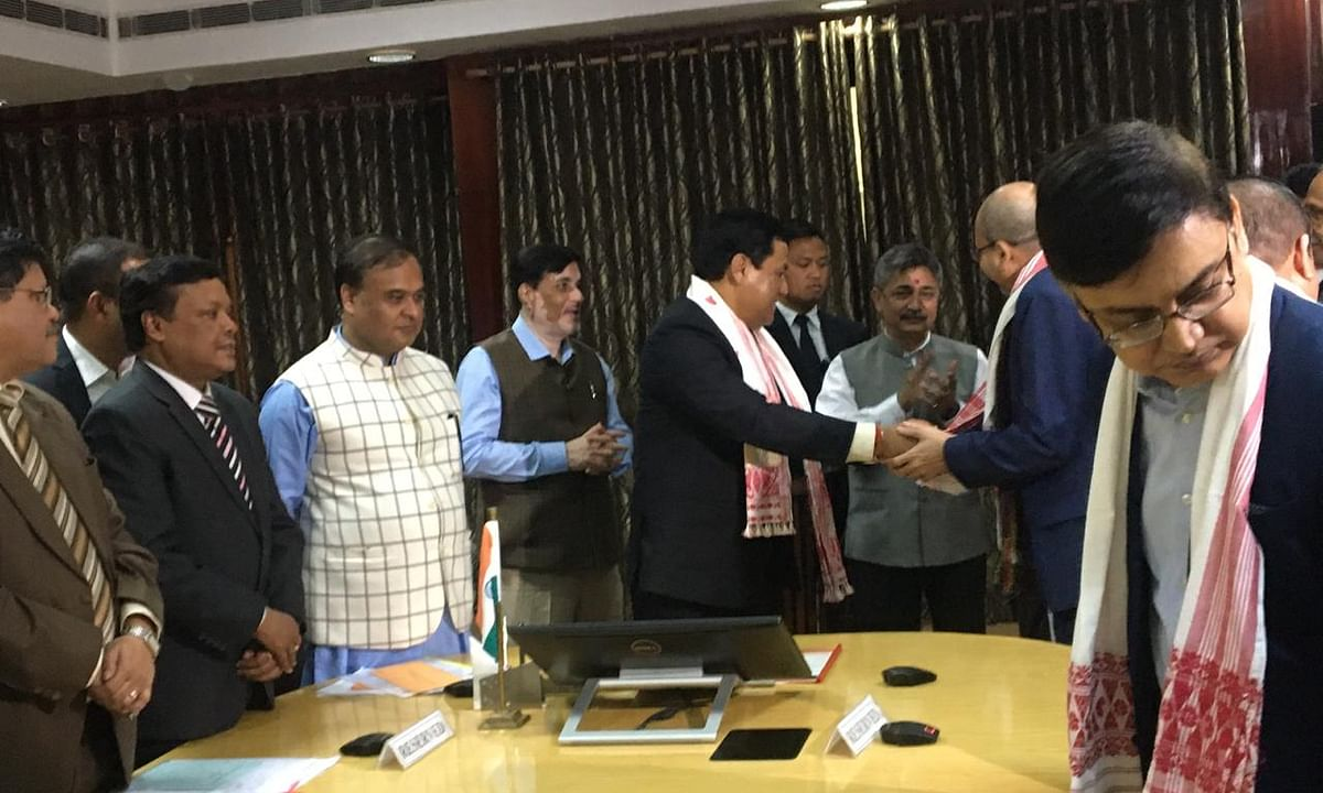 Assam CM assures proper execution of Clause 6 Committee report