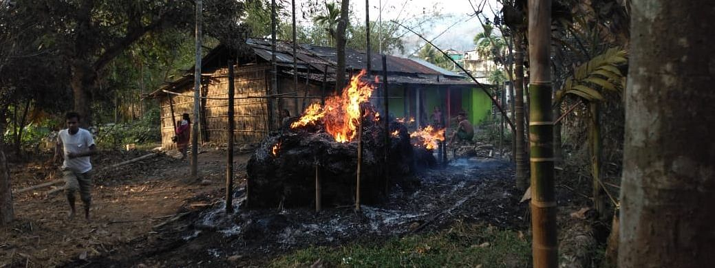 The people who were involved in the recent communal violence in New Delhi and Shillong could use only the identity lens of religion or community