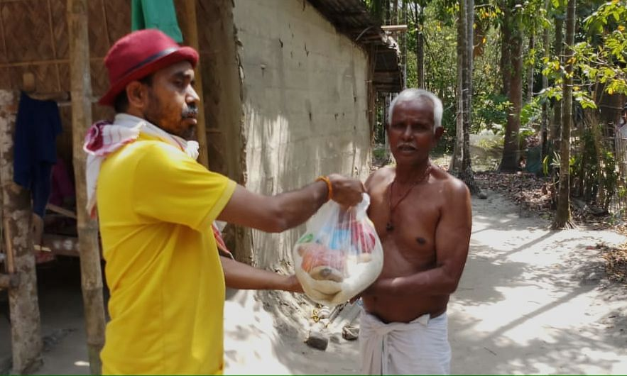 The group called Podokhep (Assamese word for 'initiative') started distributing food packages to daily wage labourers in Nalbari on Sunday