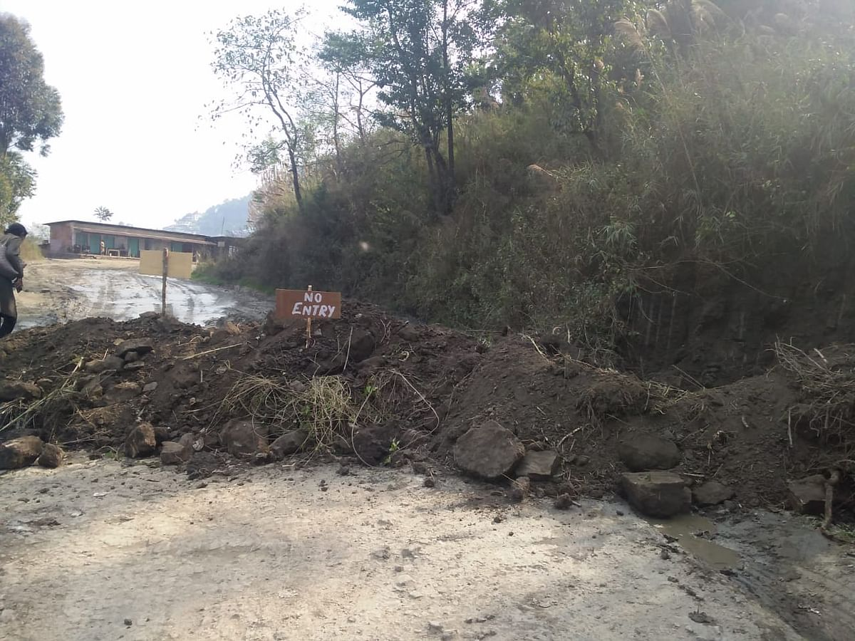 The road blockade along NH29 highlights the negligence of the government's order of sealing the inter-state borders.