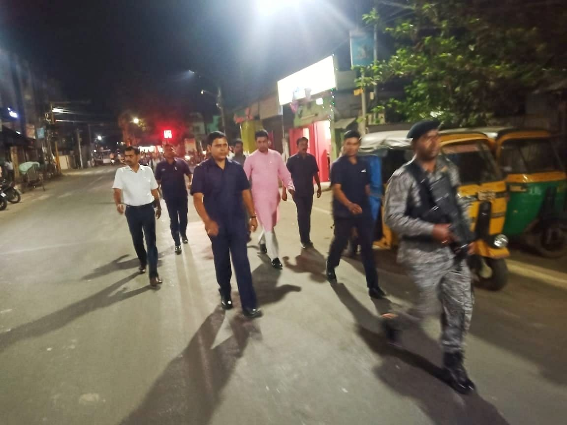 Tripura CM walks the talk, ditches the car to get home on foot