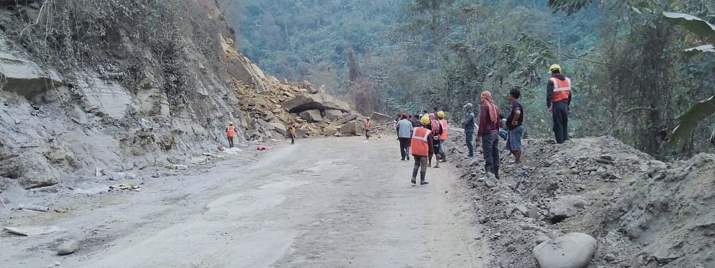 Dimapur Police issued alternate route advisory, following the landslide at NH-29 near Chumoukedima police check gate