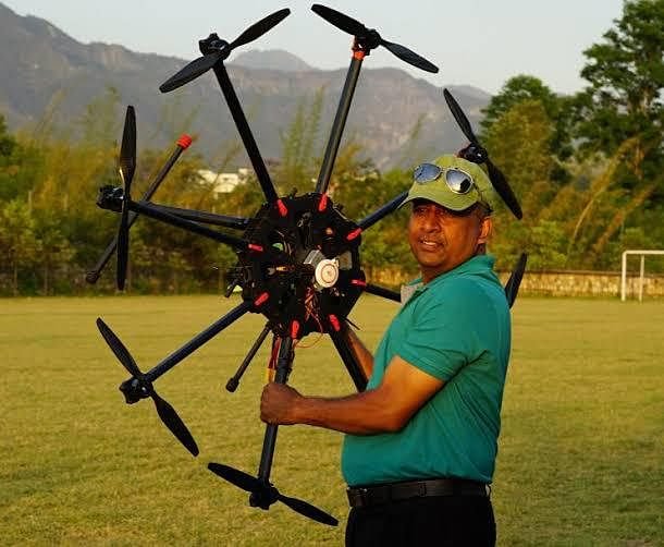 Drone being used for medicine delivery, upto 2 kg