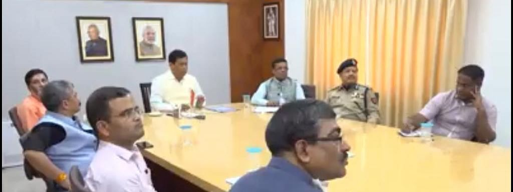 Assam chief minister Sarbananda Sonowal holds meeting on COVID-19