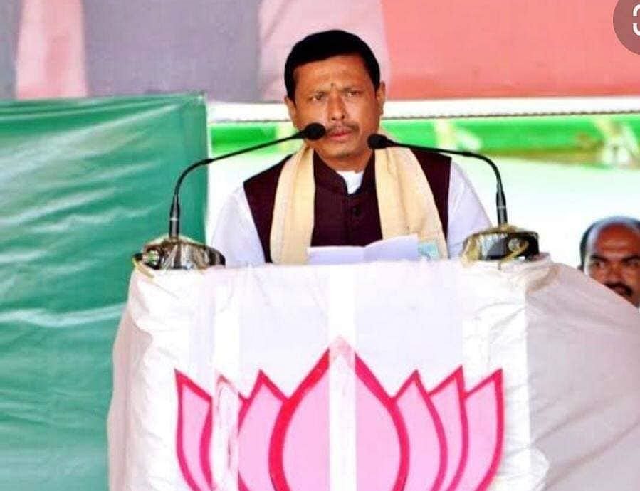 Manipur's titular king and newly-elected Rajya Sabha MP Leishemba Sanajaoba visited Hungpung village in Ukhrul district on Thursday