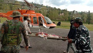 Wazir Hussain (Arif's father) being airlifted to a hospital in Jammu by CRPF personnel