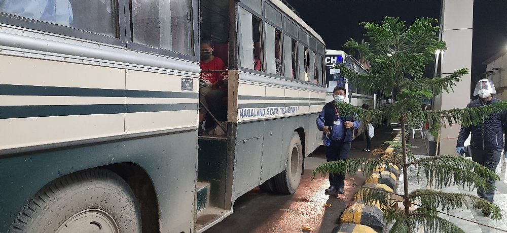 Buses were arranged by the state governemt to take the passangers to various quaratine centers in the state.