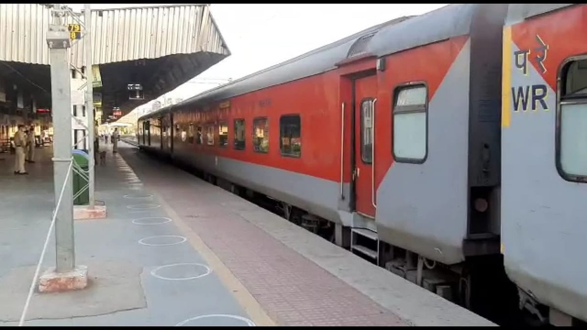 MHA issues new SOP for movement of stranded workers by train