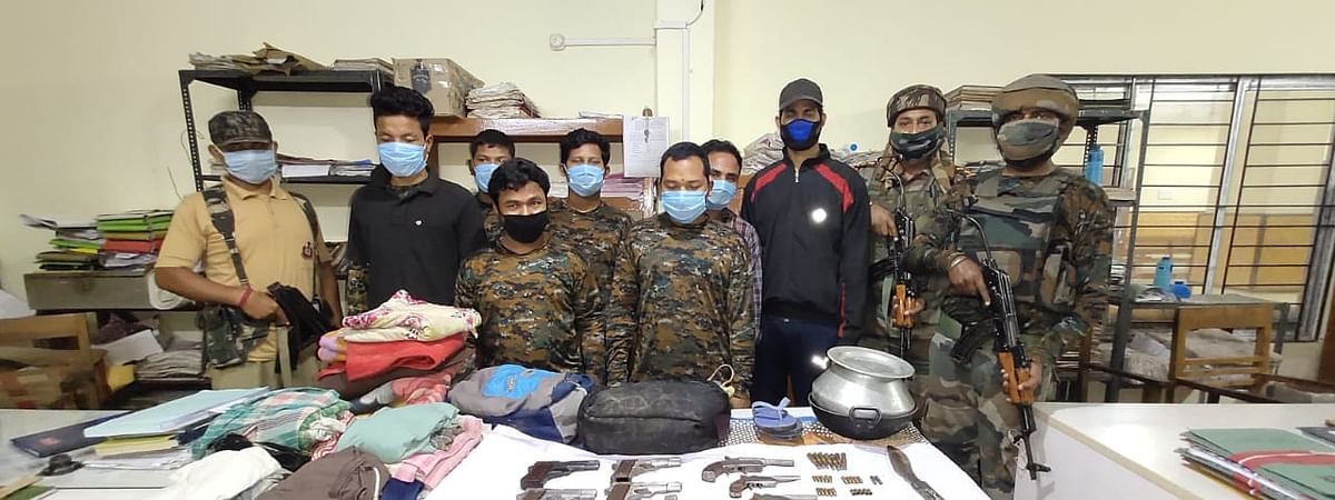 The arrested militants of the KLO and the recovered items
