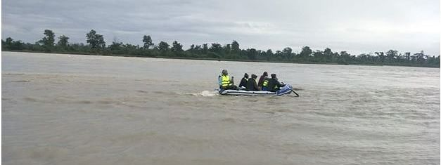 The rescue team sailing on Lohit to rescue the trapped persons