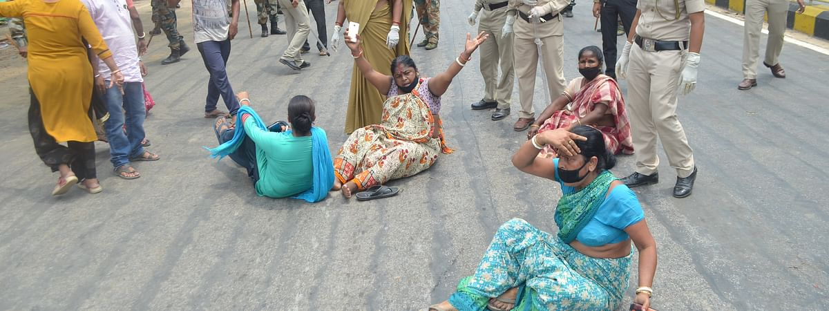 Protesters being evicted by police personnel and Tripura State Rifles (TSR) jawans in Agartala