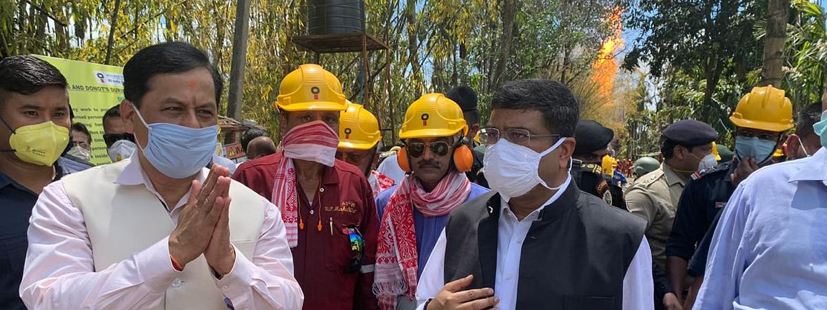 Union minister Dharmendra Pradhan and CM Sonowal at the site of oilfield fire in Assam's Tinsukia district