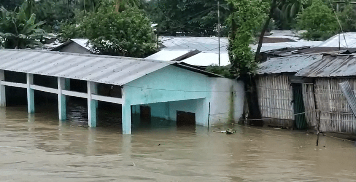 492 villages in 23 revenue circles in various districts of Upper Assam were also affected