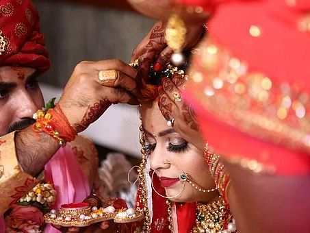 Gauhati HC grants divorce as wife refuses to wear sakha, sindoor