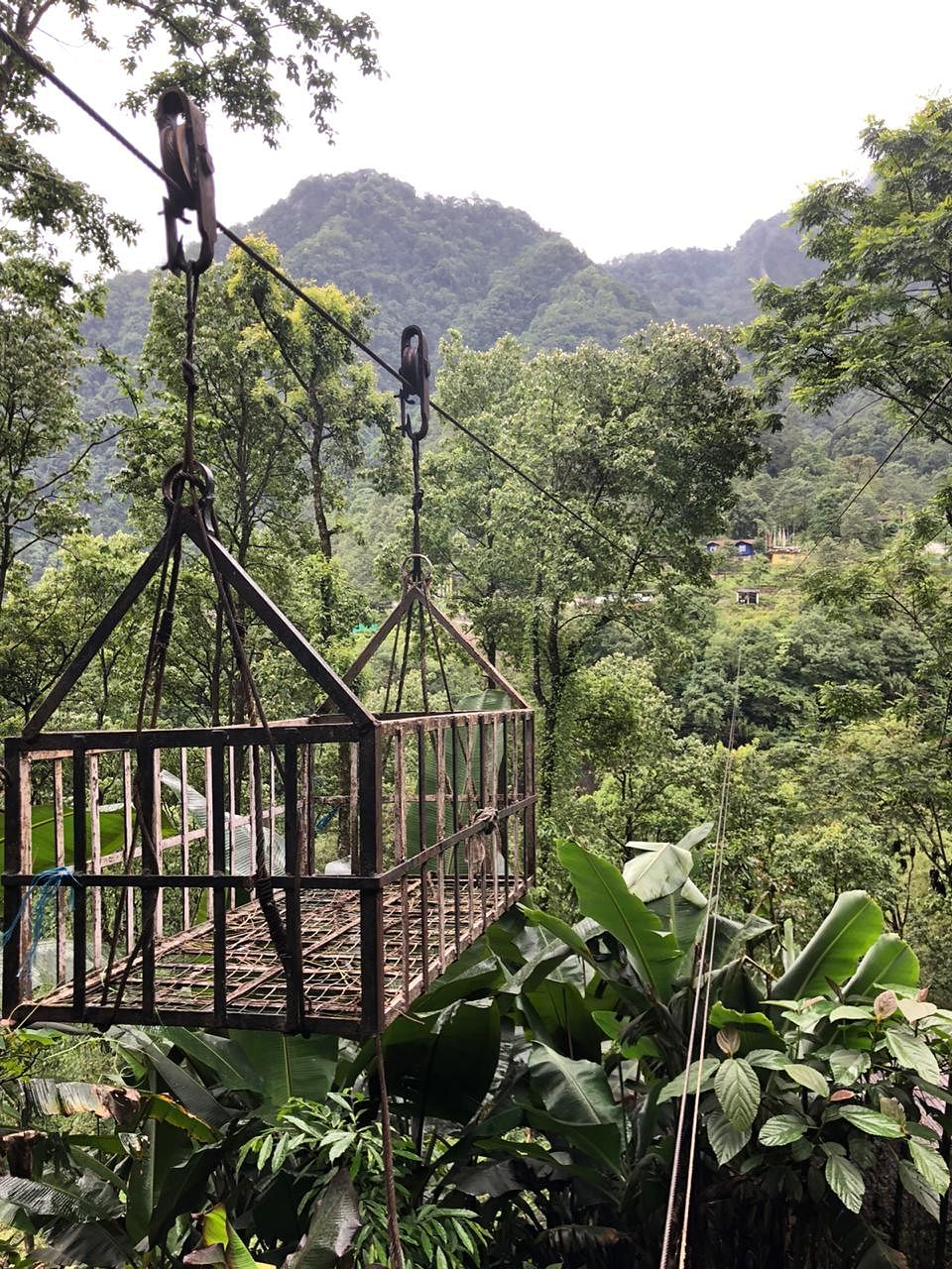 The ropeway was set up by the Public Works Department in 2002 with one end near 6th Mile, Tingvong, and the other at Kayem over the Kanaka river and has a load capacity of around 50 kg