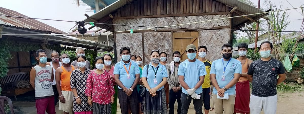 Team Dimapur 24/7 handing out essential commodities in Dimapur, Nagaland