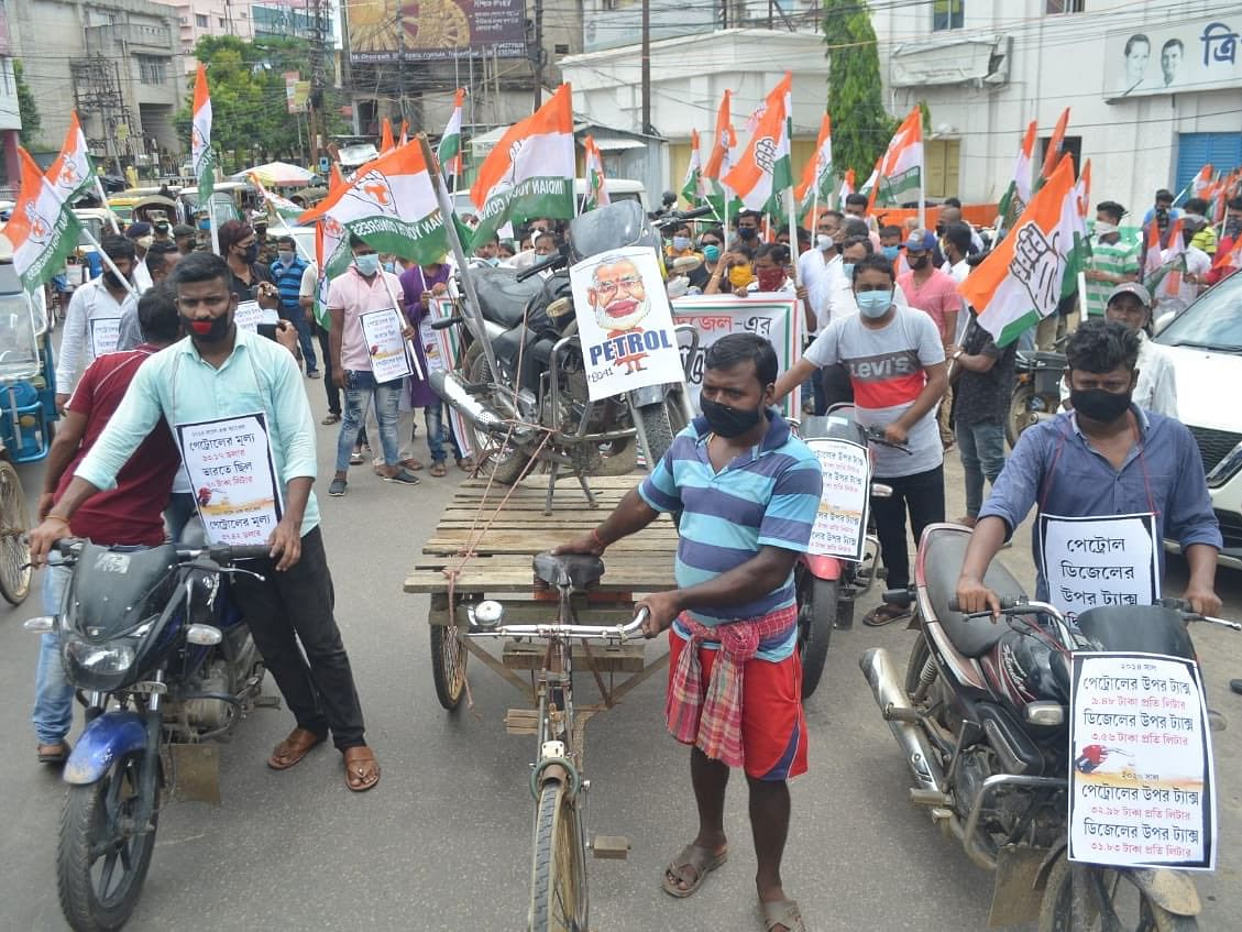 Tripura: Congress workers stage protest against fuel price hike