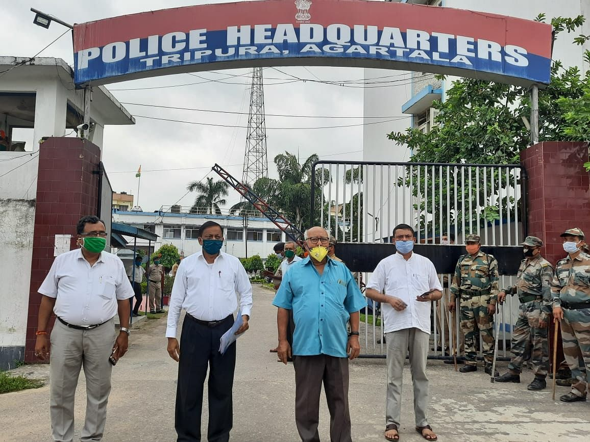 Tripura: Cong delegates meet police chief on law and order situation