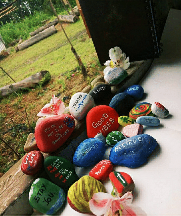 An pebble art work done by a returnee at the COVID-19 creativity hub