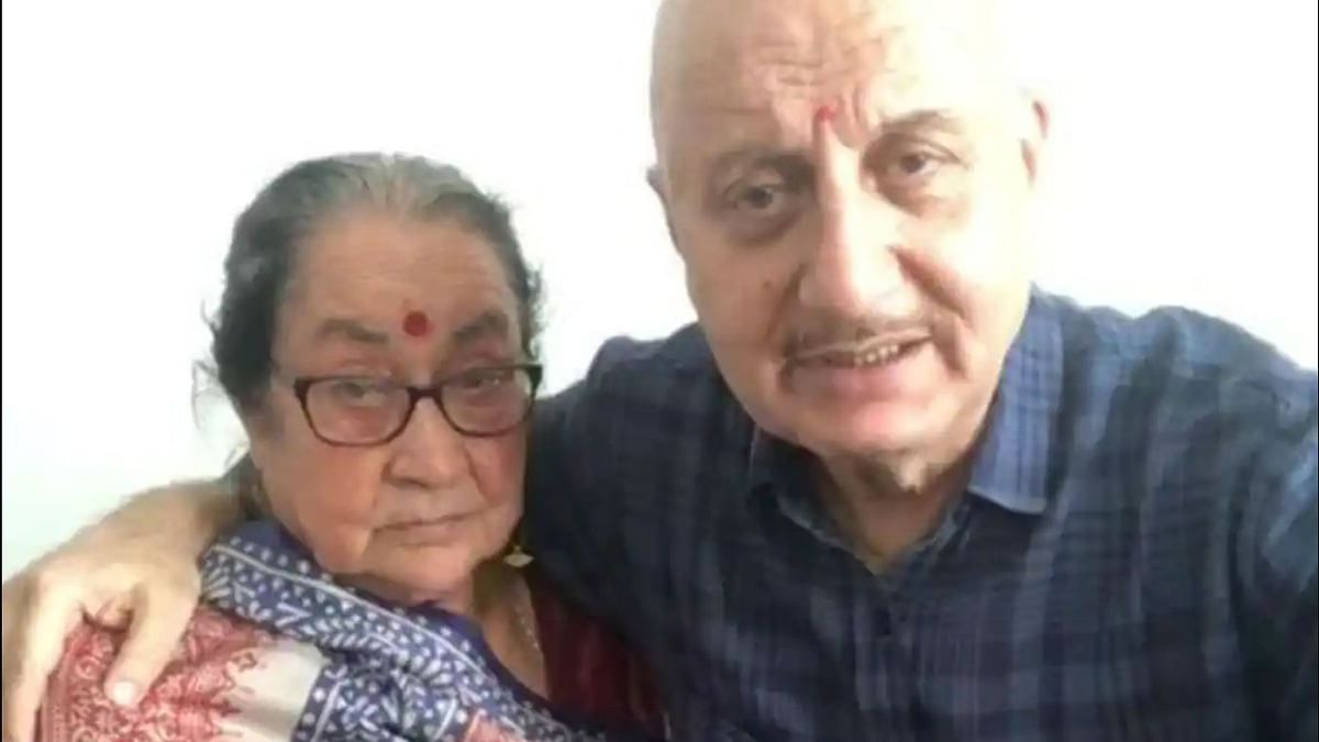 Anupam Kher's mother tests COVID-19 negative, discharged from hospital
