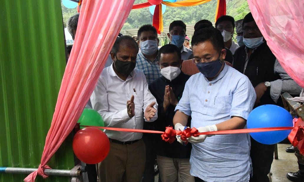 CM PS Golay inaugurating the dedicated screening centre