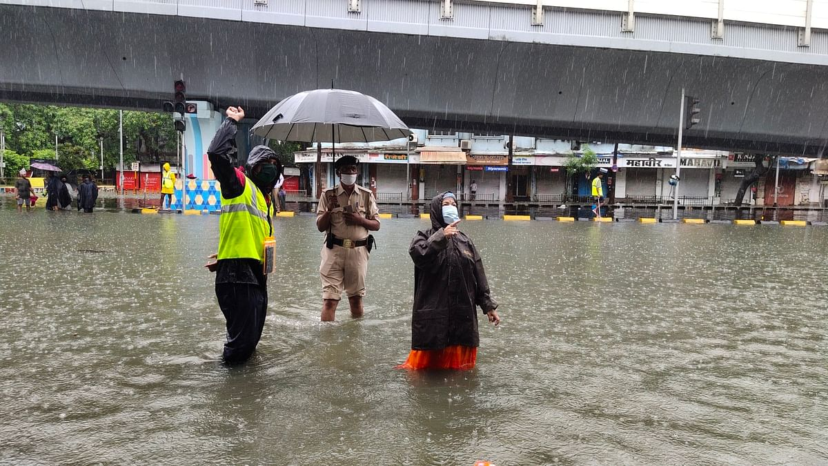 Heavy rains create havoc in Mumbai; offices closed, services of local trains stopped