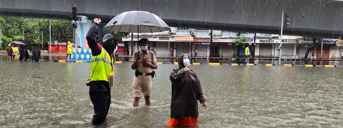 With high tides expected, BMC alerts all concerned not to go near any beach or low-lying areas