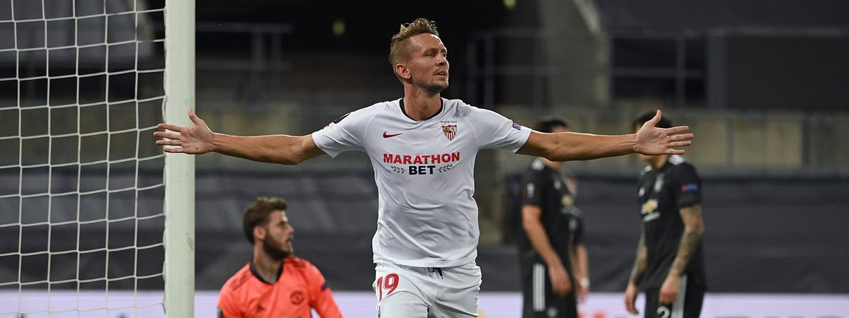 Luuk de Jong scored a winner for Sevilla in the 79th minute as they went on to beat Manchester United 2-1 on Sunday