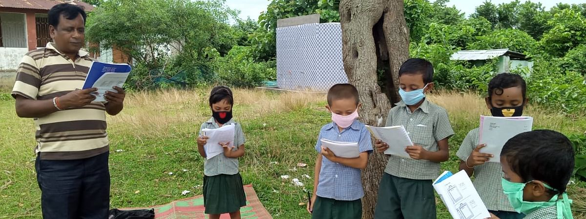 Students attending neighbourhood classes on first day