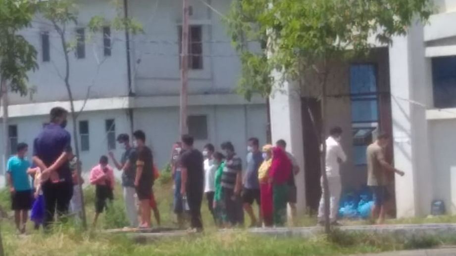 Manipur: COVID-19 patients scatter outside ward over lack of proper food at JNIMS