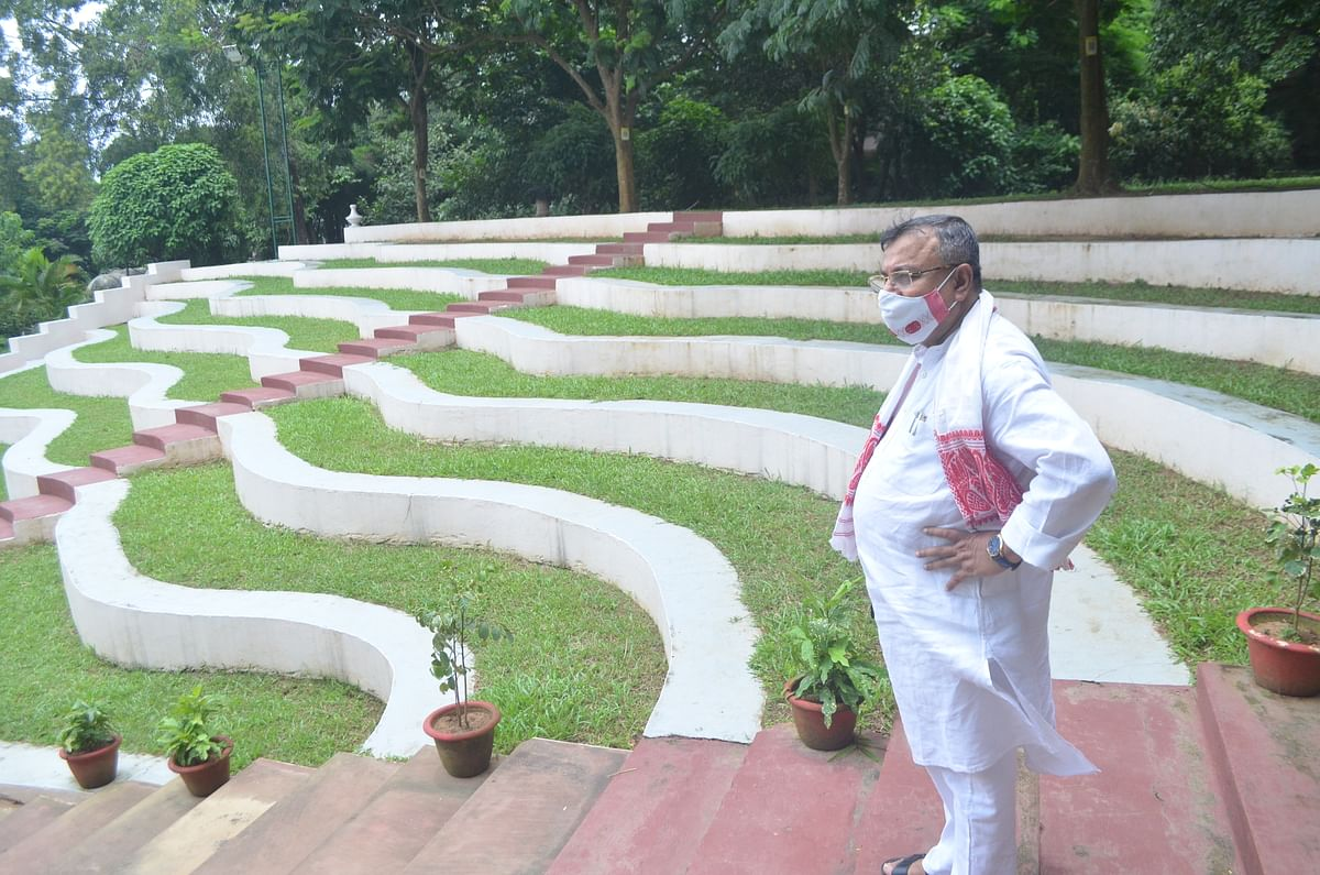 Law and parliamentary affairs minister Ratan Lal Nath inspecting legislative assembly building