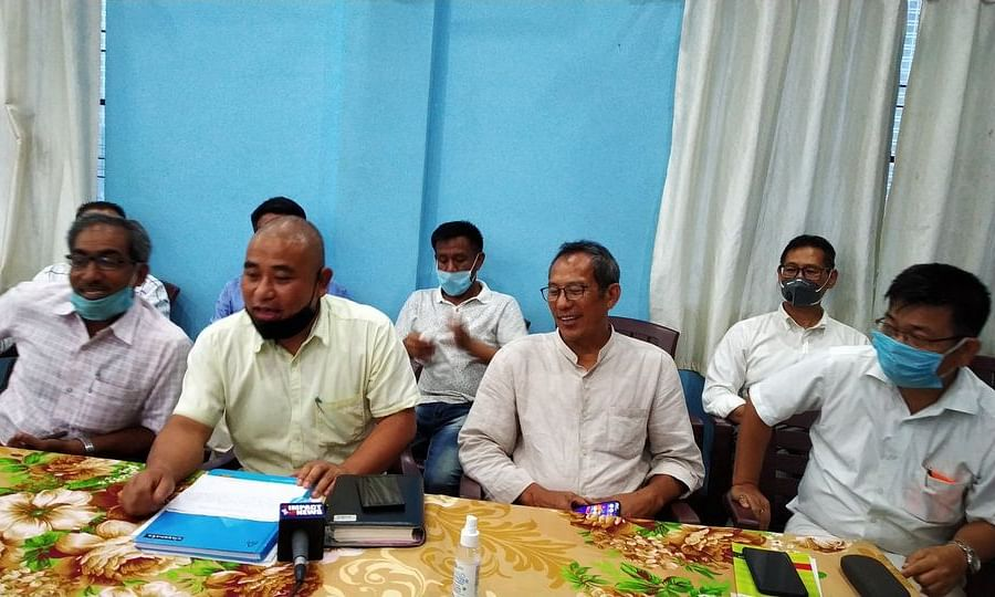 Representatives of UARSoM and HiDiPSAM at a joint meeting in Imphal on Tuesday