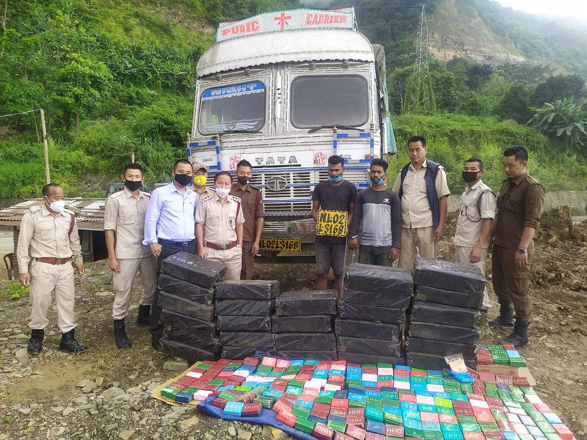 The arrested persons along with the recovered items