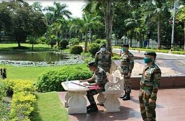Lt Gen Shantanu Dayal, GOC 4 Corps on behalf of all ranks paid homage to all the martyrs