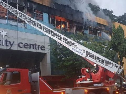 Mumbai Mall on fire: 3,500 people rescued from adjacent building