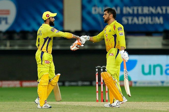 Jadeja(L) and Dhoni(R) added 72 runs for the fifth wicket for CSK
