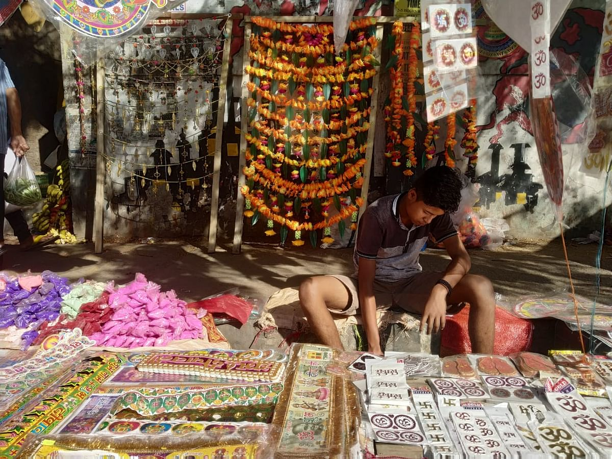 A stall selling decorative items in Ganeshguri