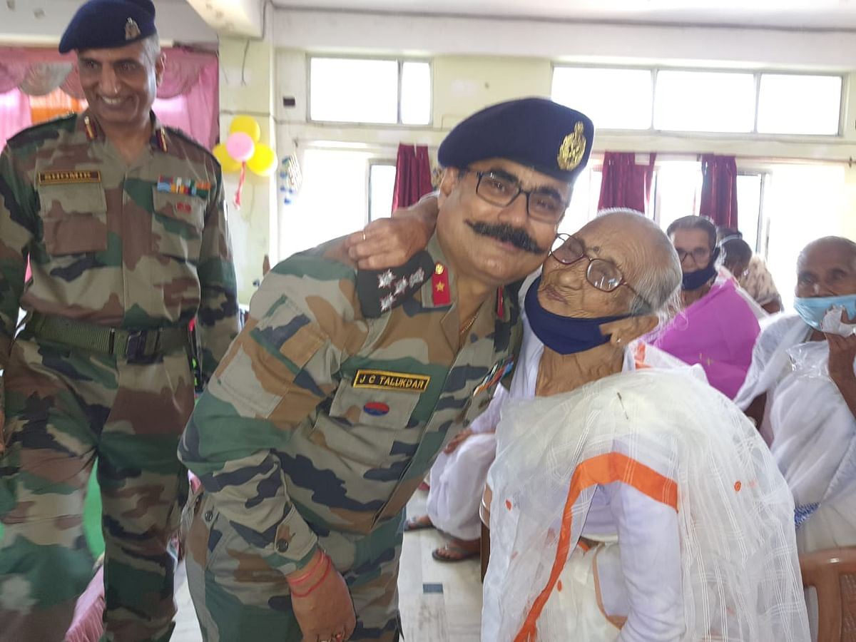 Col Shomir Bhatnagar, Commanding Officer, 47 Assam R&V Sqn NCC described the event as an emotional one. Commanding officer Col Bhatnagar hoped that this noble service will bring smiles to the inmates on the auspicious occasion of Diwali.
