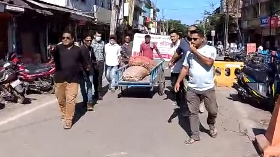 Watch: Z+ security for vegetables because of price hike, say protestors