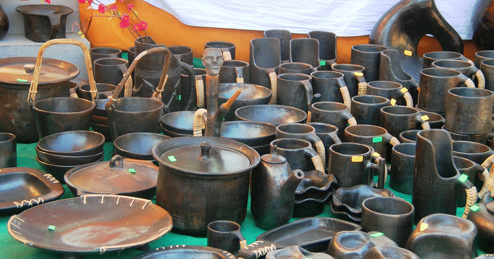 Pottery of Manipur using serpentinite stone and brown clay