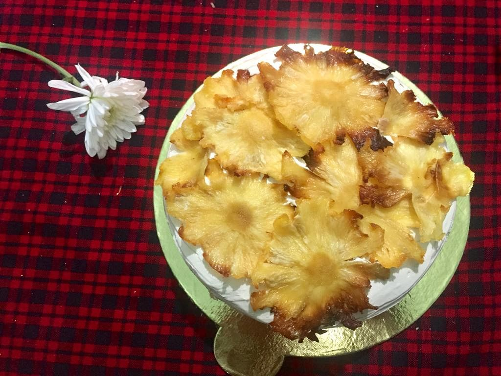 The pineapple butterscotch cake