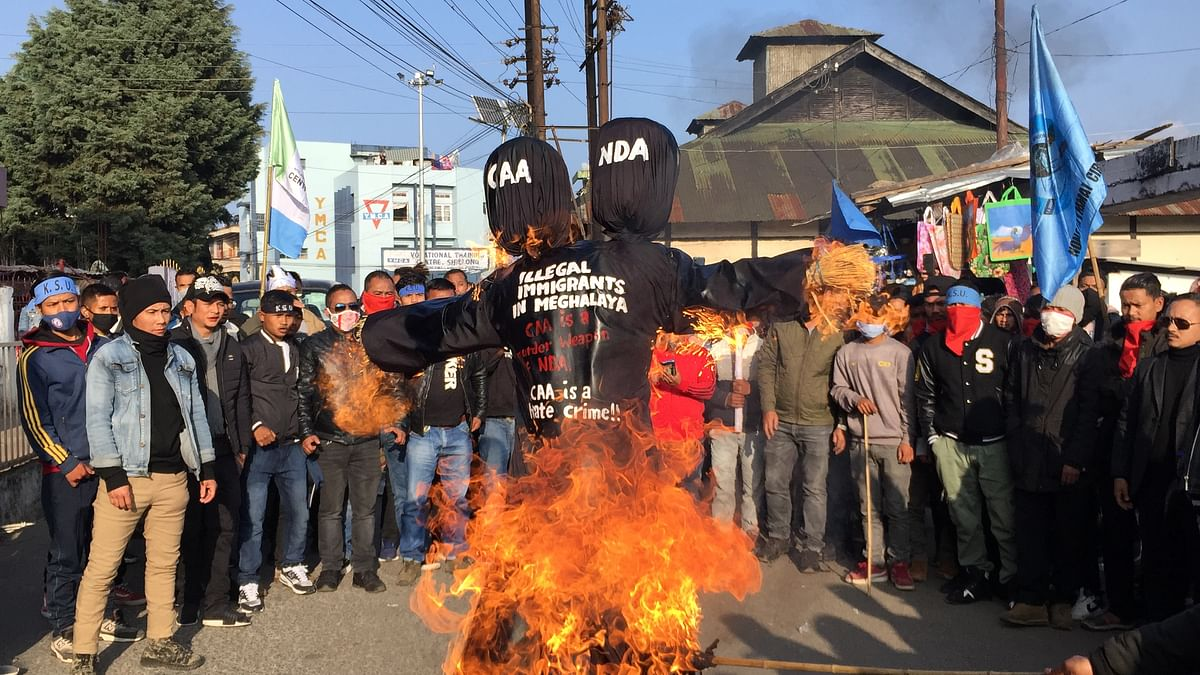 In pics: Meghalaya pressure groups hold public meeting demanding ILP, burn effigies