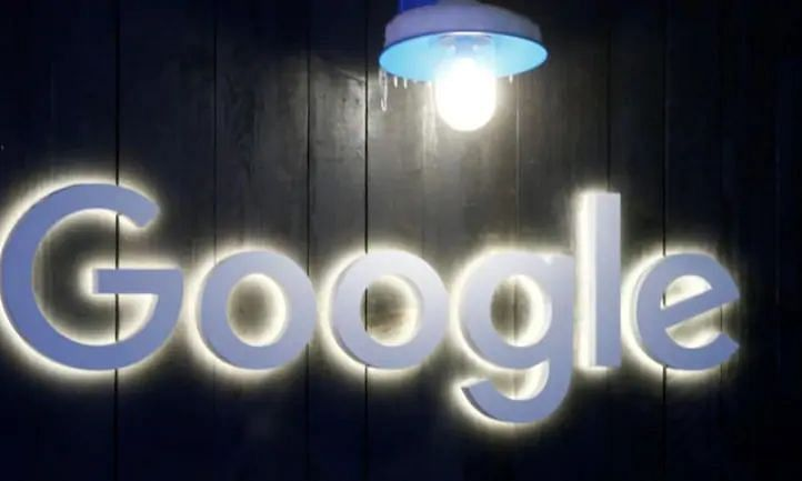 9to5 Google stated in its report that the dark mode has not been rolled out entirely. Only a handful of users have received the feature so far.