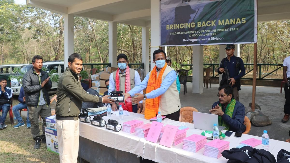 Assam: Field gear distributed among Manas Tiger Reserve forest staff, volunteers