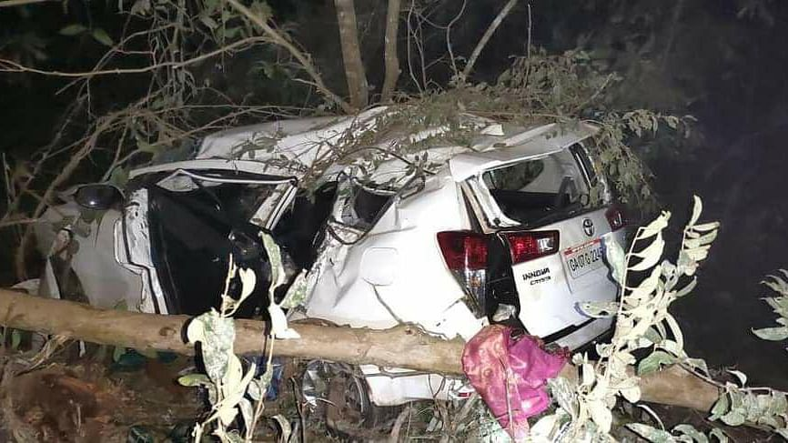 Union Minister Shripad Naik injured in road mishap, wife and aide killed