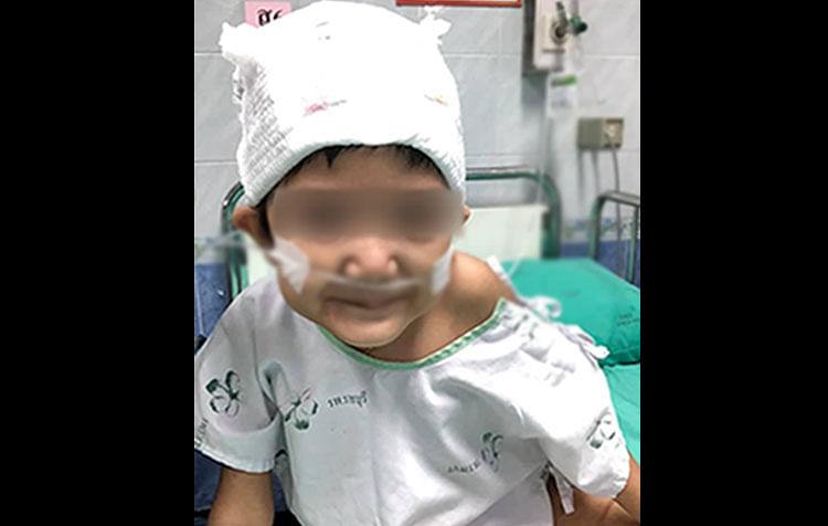 น้องอลิสผู้ป่วยโรคมะเร็งต่อมหมวกไตระยะ 4 ขั้นรุนแรง