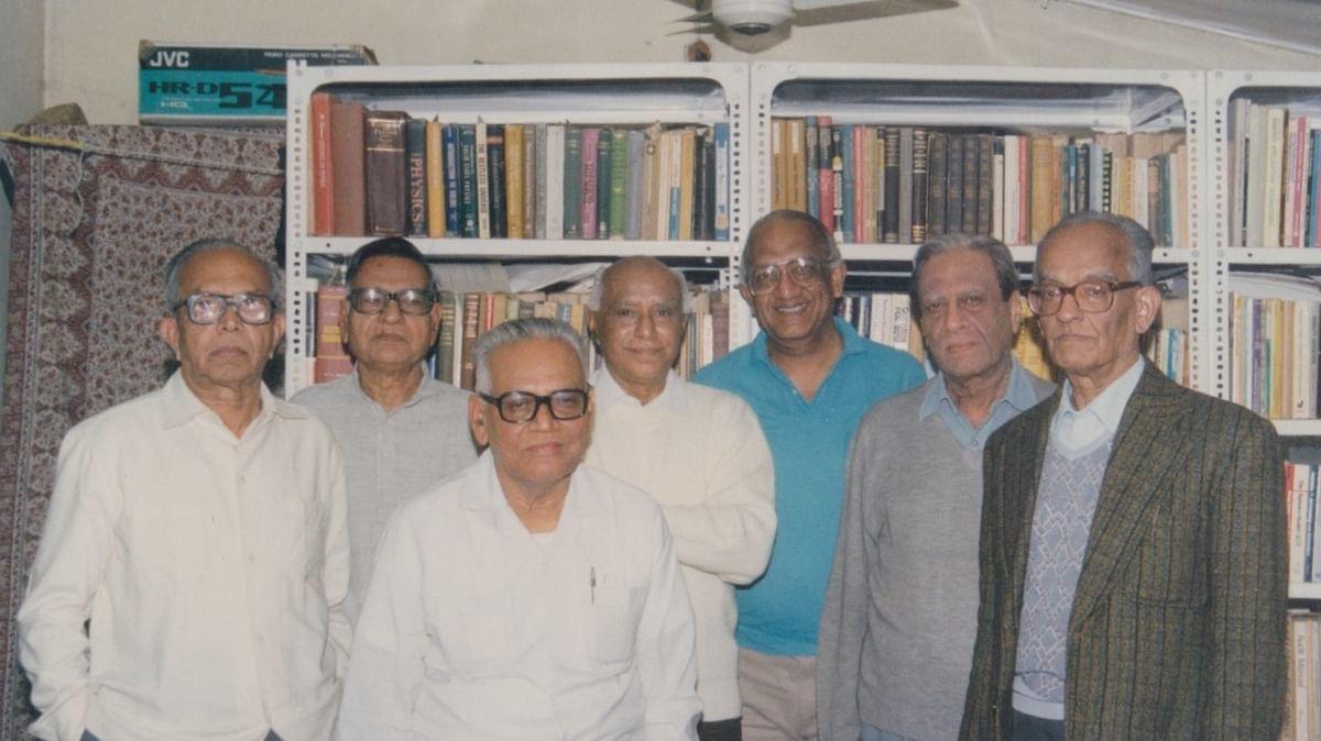 ಜೆಆರ್ಎಲ್ ನೂರರ ನೆನಪು: ಪ್ರೊ. ಜೆ. ಆರ್. ಲಕ್ಷ್ಮಣರಾವ್ ನೂರು - ನೆನಪುಗಳು ನೂರಾರು