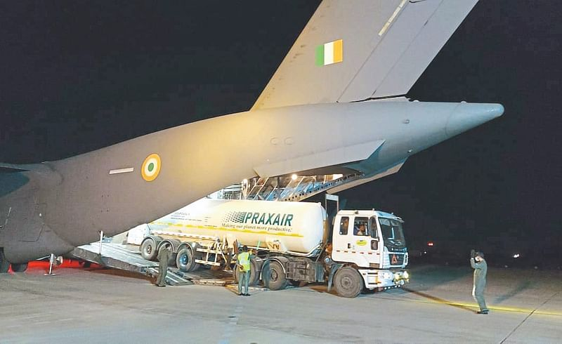 Oxygen transport from Air Force in Pune